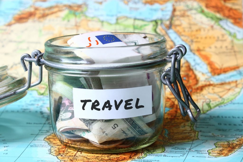 Travelling this Summer? 5 Tips to help you manage your money effectively