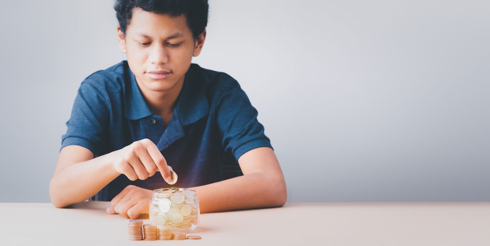 teenager saving money