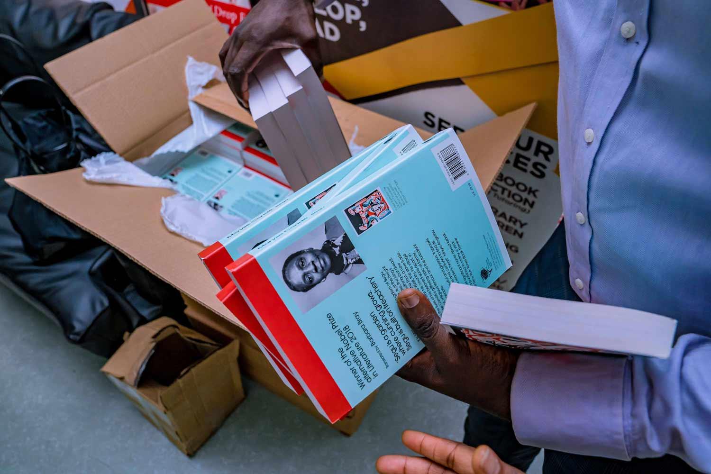 uba-foundation-donates-books.jpg7