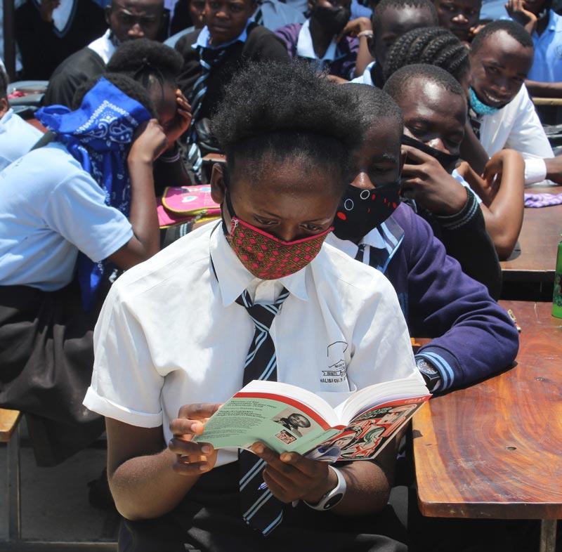 uba-zambia-donate-books